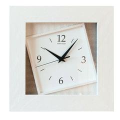 "Часы настенные САЛЮТ ДСЗ-4АС7-314, квадрат, белые, ""Ассиметрия"", деревянная рамка - белая, 35х35х4,5 см"
