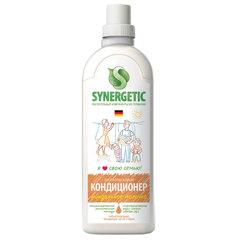 """Кондиционер-ополаскиватель для белья 1 л SYNERGETIC """"Миндальное молочко"""", гипоаллергенный, концентрат"""